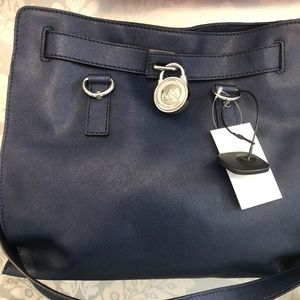 MICHAEL KORS Navy Blue Textured Leather Bag